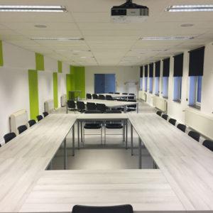 Mobelart fabrica modernas mesas de conferencias