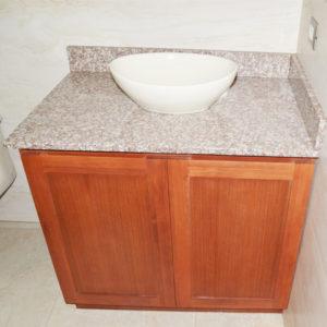 Lavamanos con superficie de granito