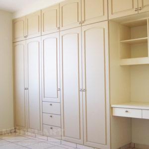 Closet moderno color beige