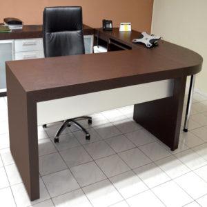 Elegante escritorio ejecutivo diseñado por Mobelart