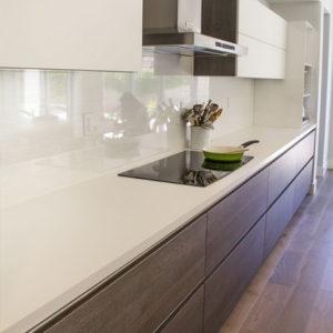 Moderna cocina superficie blanca
